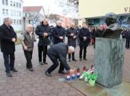 Zapalili lampione podno biste dr. Franje Tuđmana na 20. godišnjicu smrti