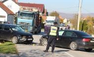 Direktan sudar VW Pola i Audia i dvoje odvezeno u požešku bolnicu